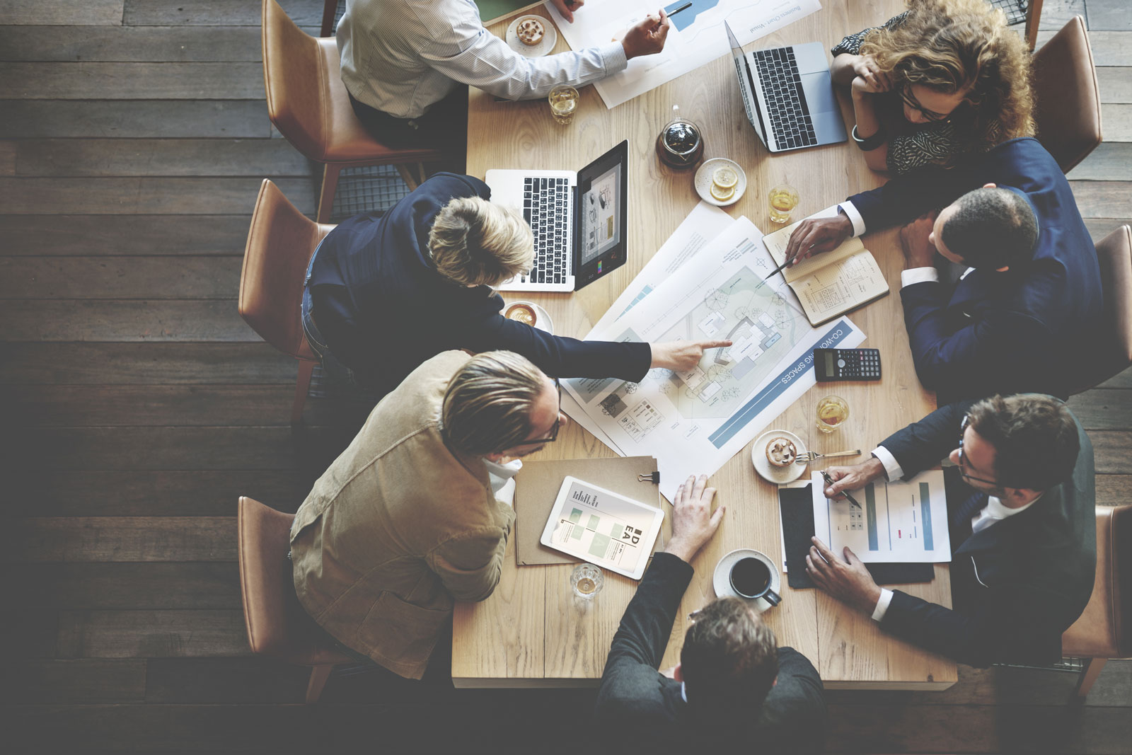 Conference Meeting | B2B Ecommerce: 9 Tips To Help Execute Your Strategy