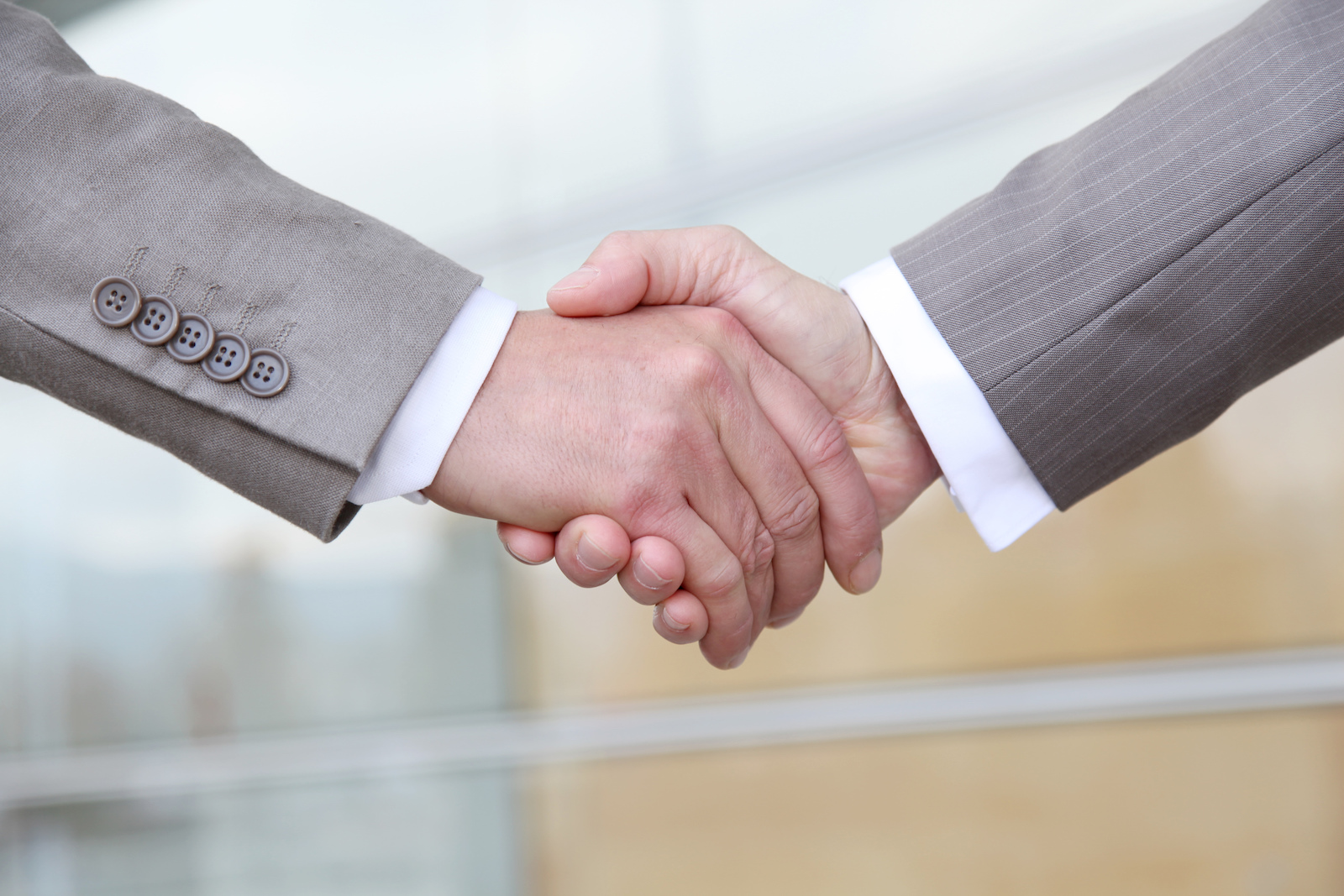 Hand Shake   5 Effective Tips To Make B2B Content Marketing Work For You
